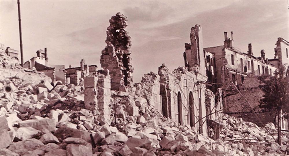 OstacikavaneLloyd1944