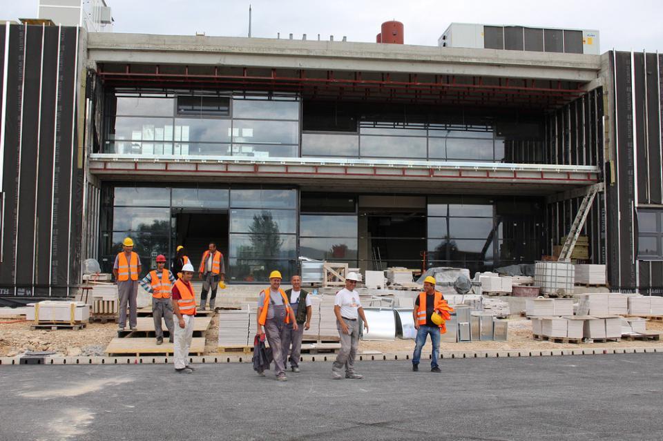 Poslovna zgrada predviđena je kao suvremeni ulazni terminal u luku Ploče/Ante Šunjić