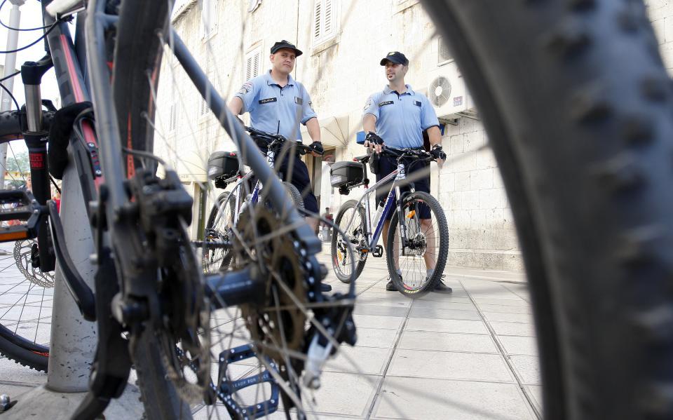 policija_bicikle-060715