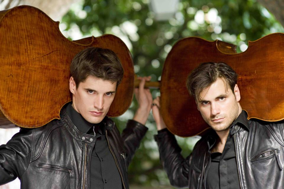 2CELLOS_by_Stephan_Lupino