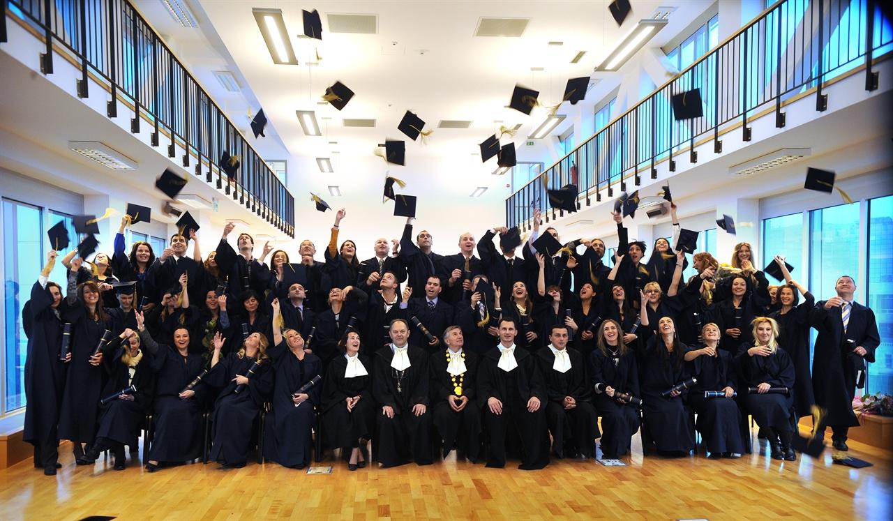 Slobodna Dalmacija Platili Studij Diplomirali I Onda Se Razocarali Magistrirali Smo Za Csi I Svi Zavrsili Na Cesti