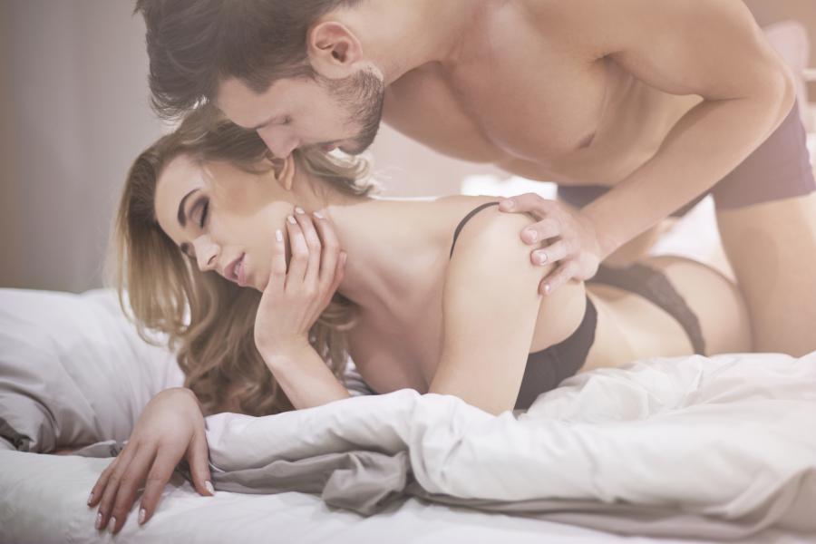 Besplatno bucmasti zreli porno video