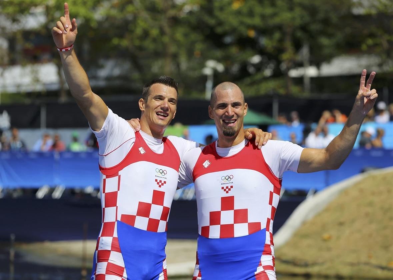 2016-08-11T145051Z_1534519822_RIOEC8B158P6D_RTRMADP_3_OLYMPICS-RIO-ROWING-M-DOUBLESCULLS