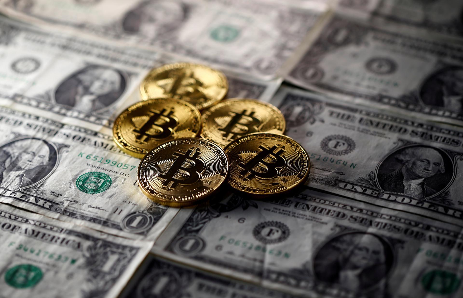 slike koje prikazuju pametno ulaganje s bitcoinima minimalno kripto ulaganje