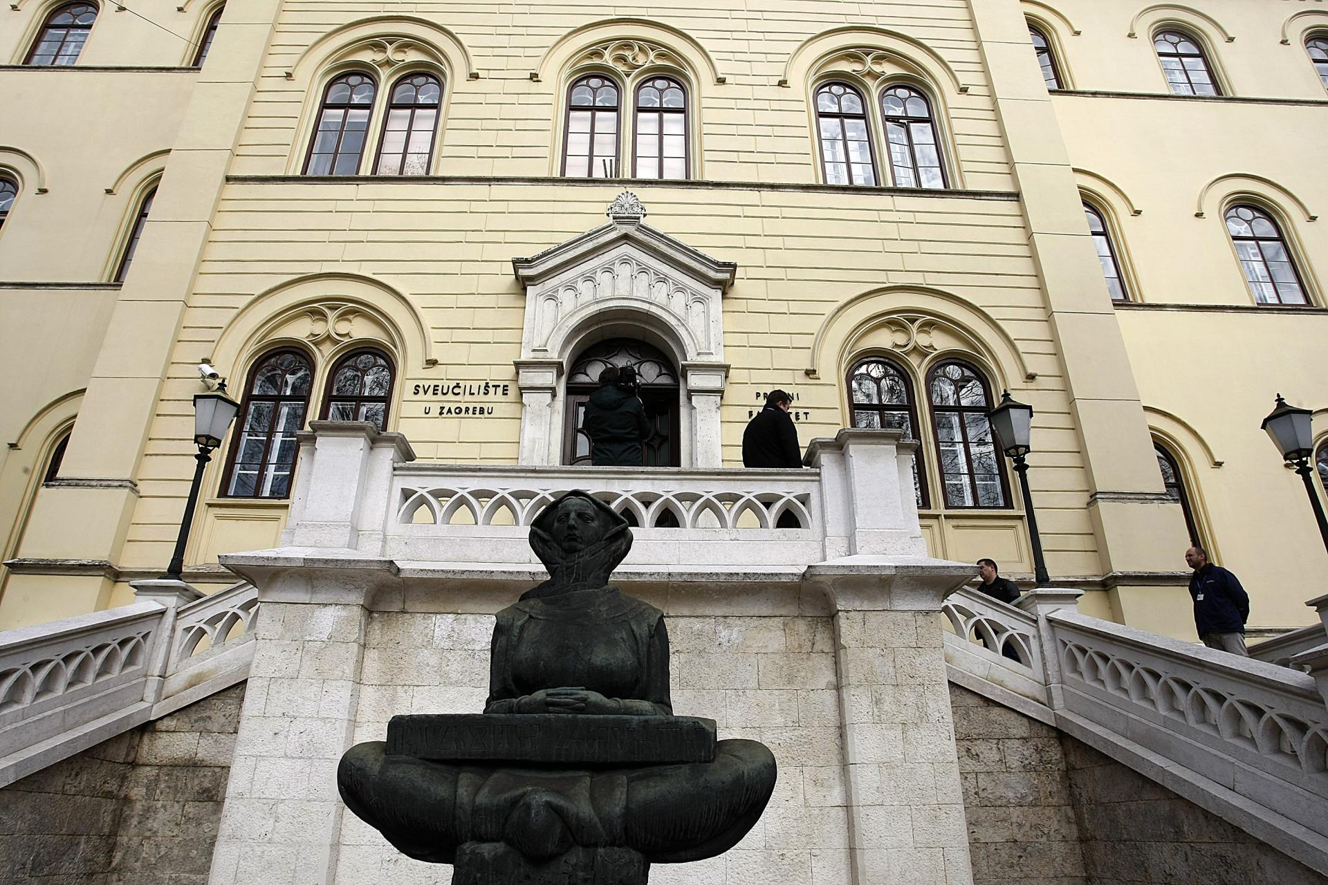 Slobodna Dalmacija Zagrebacko Sveuciliste Uvodi Posebne Upisne