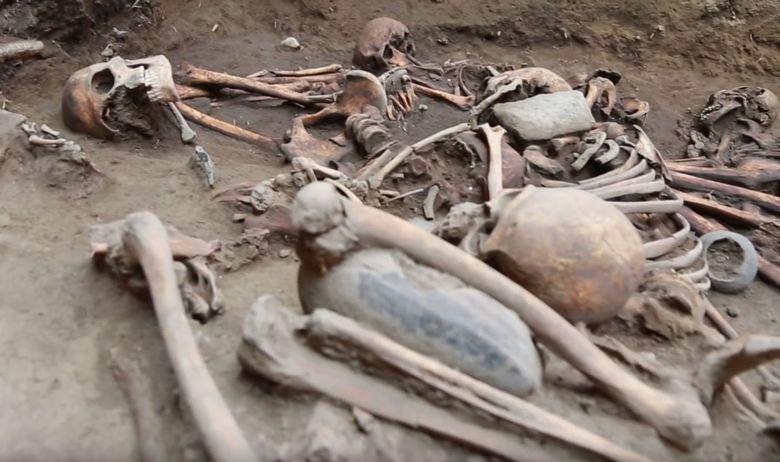 Slobodna Dalmacija - Pronađena najveća masovna grobnica u ljudskoj ...