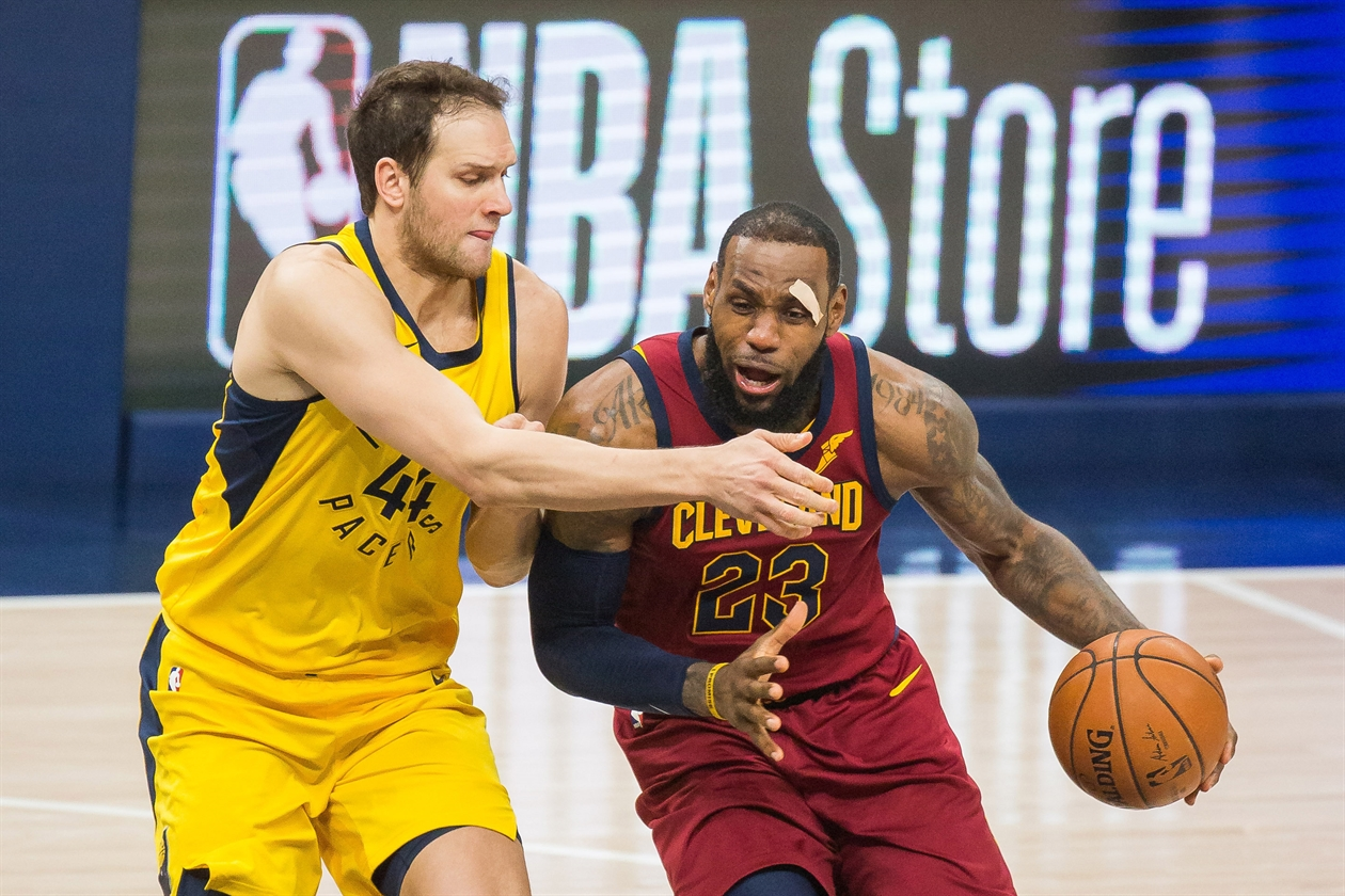 2018-04-28T032748Z_1517292233_NOCID_RTRMADP_3_NBA-PLAYOFFS-CLEVELAND-CAVALIERS-AT-INDIANA-PACERS