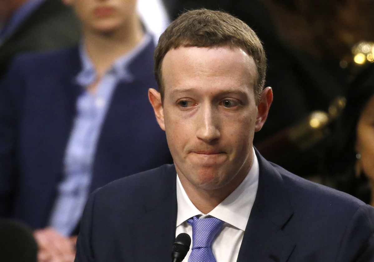 2018-04-10T214042Z_660754887_HP1EE4A1O7T77_RTRMADP_3_FACEBOOK-PRIVACY-ZUCKERBERG