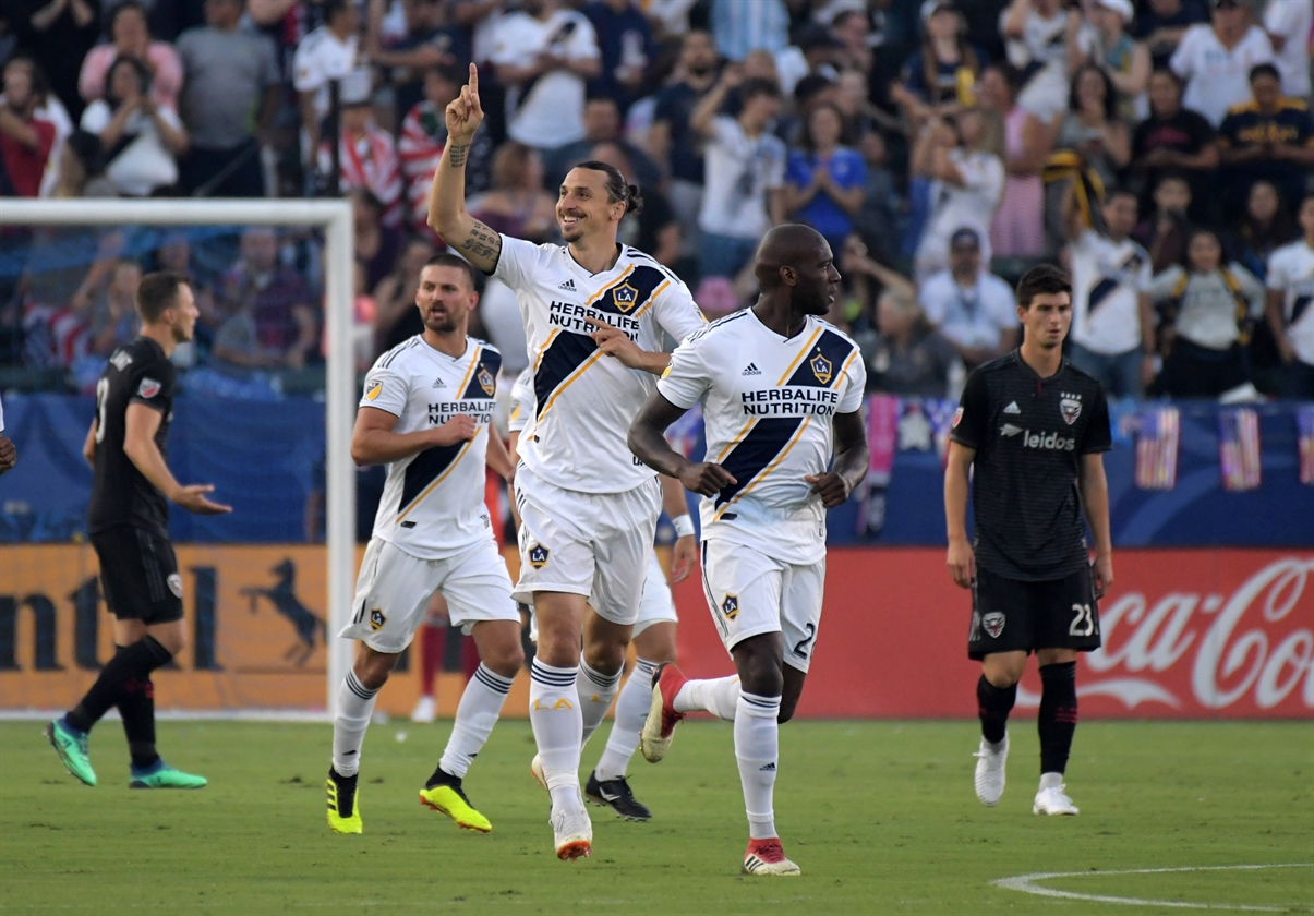 2018-07-05T033619Z_1879775631_NOCID_RTRMADP_3_MLS-D-C-UNITED-AT-LOS-ANGELES-GALAXY
