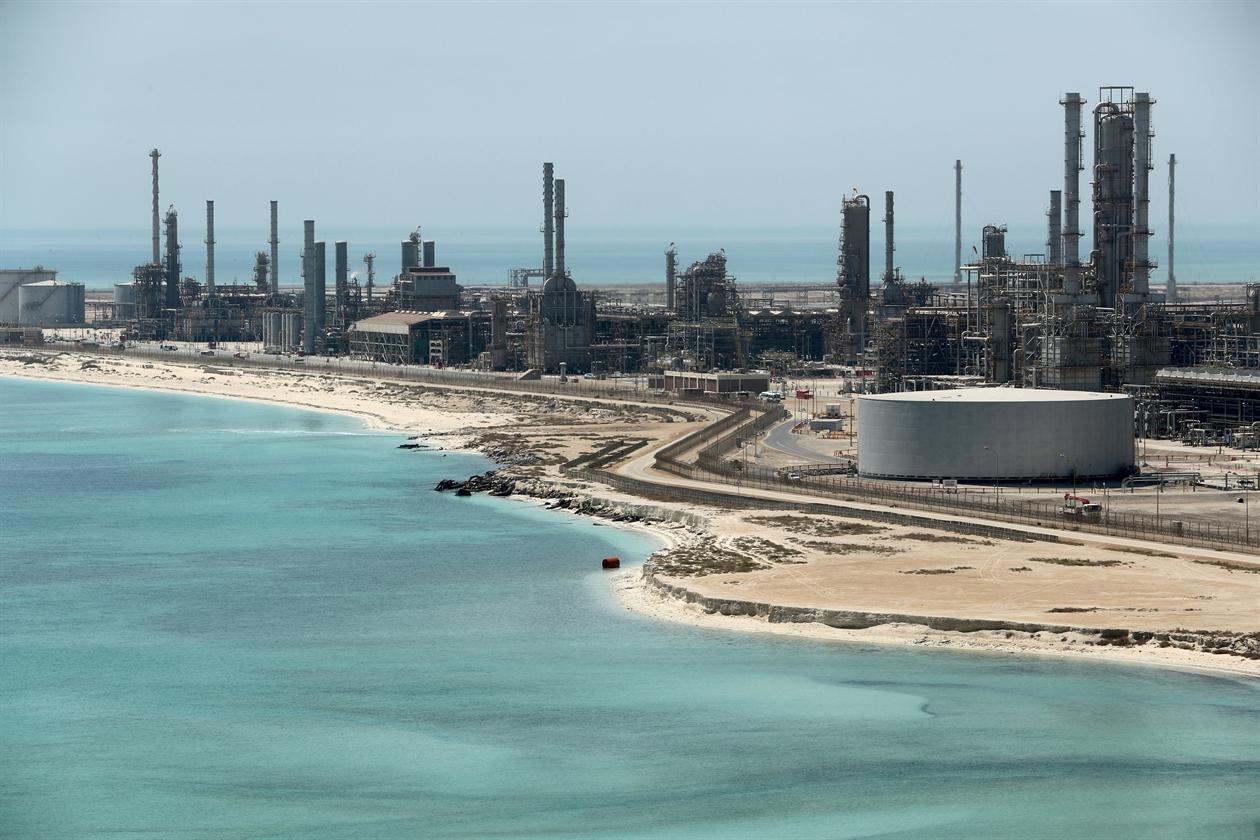 2018-08-08T143146Z_1780889849_RC1B1B2851C0_RTRMADP_3_OIL-OPEC-KEMP