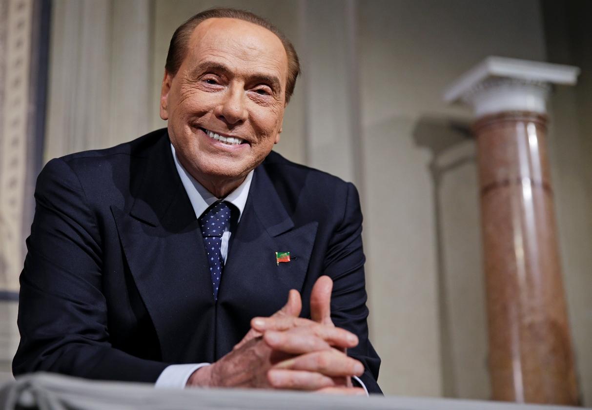 2018-04-12T163308Z_1897112232_RC1F8E1E4FD0_RTRMADP_3_ITALY-POLITICS