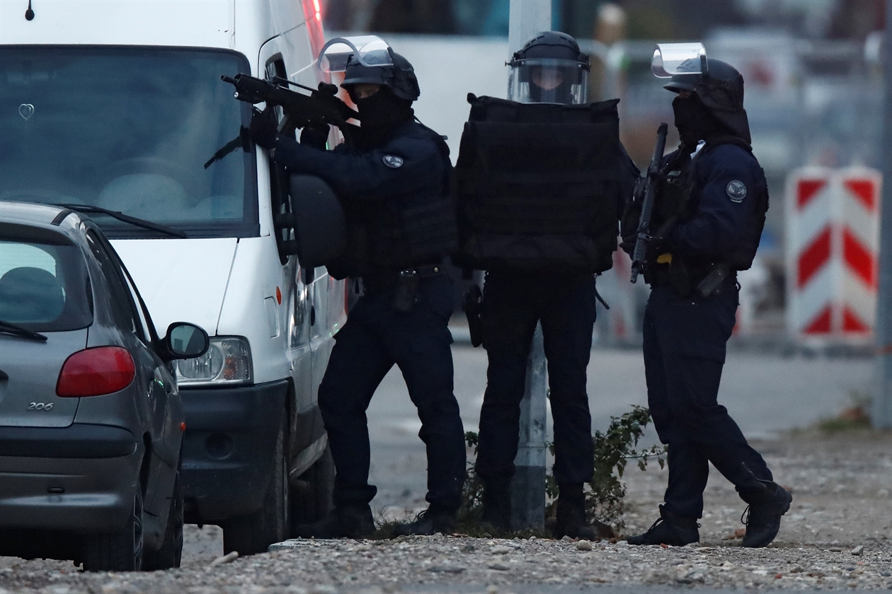 2018-12-13T161239Z_1118603801_RC185836D980_RTRMADP_3_FRANCE-SECURITY