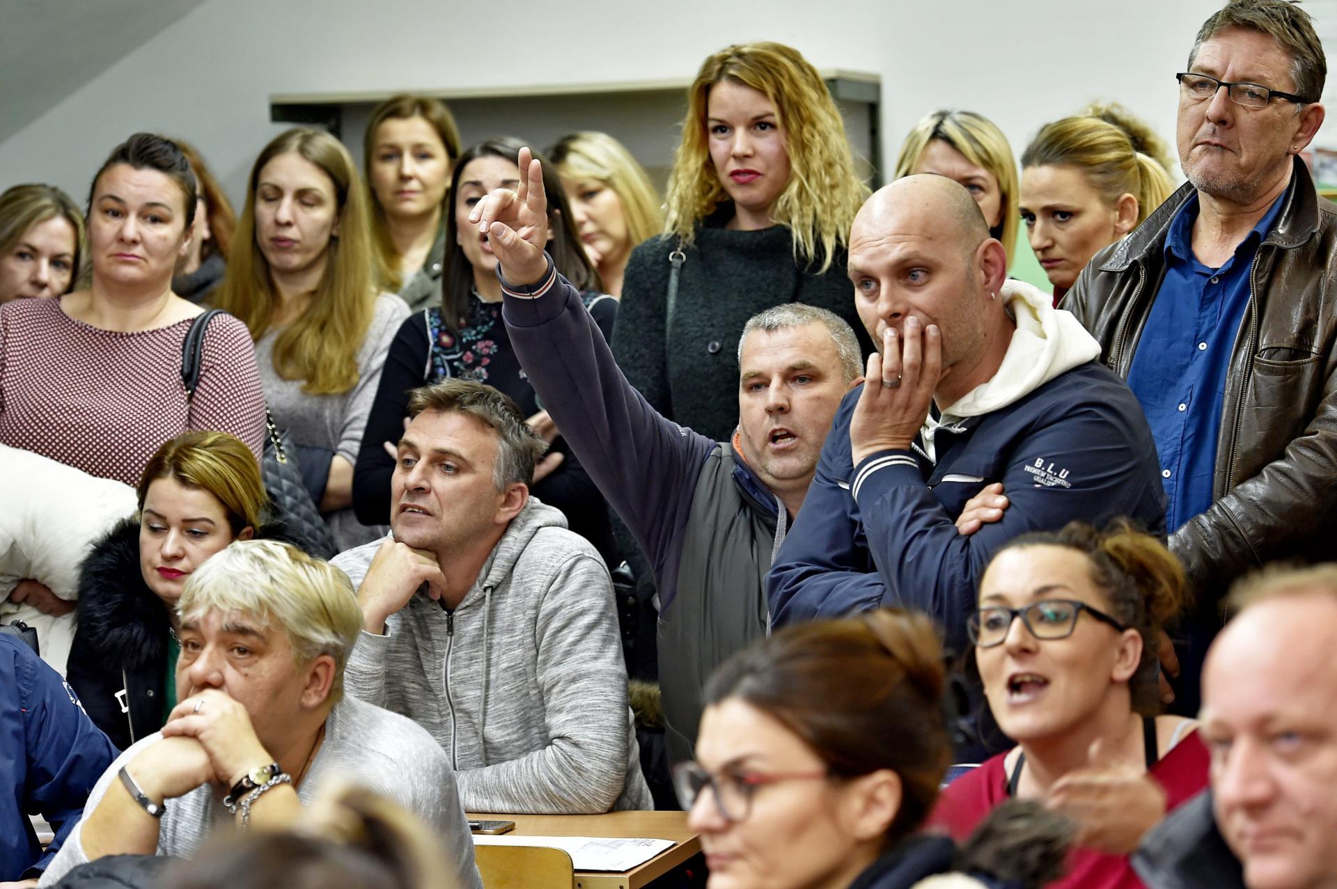 Roditelji su ogorčeni što će im djeca na nastavu putovati u Trogir