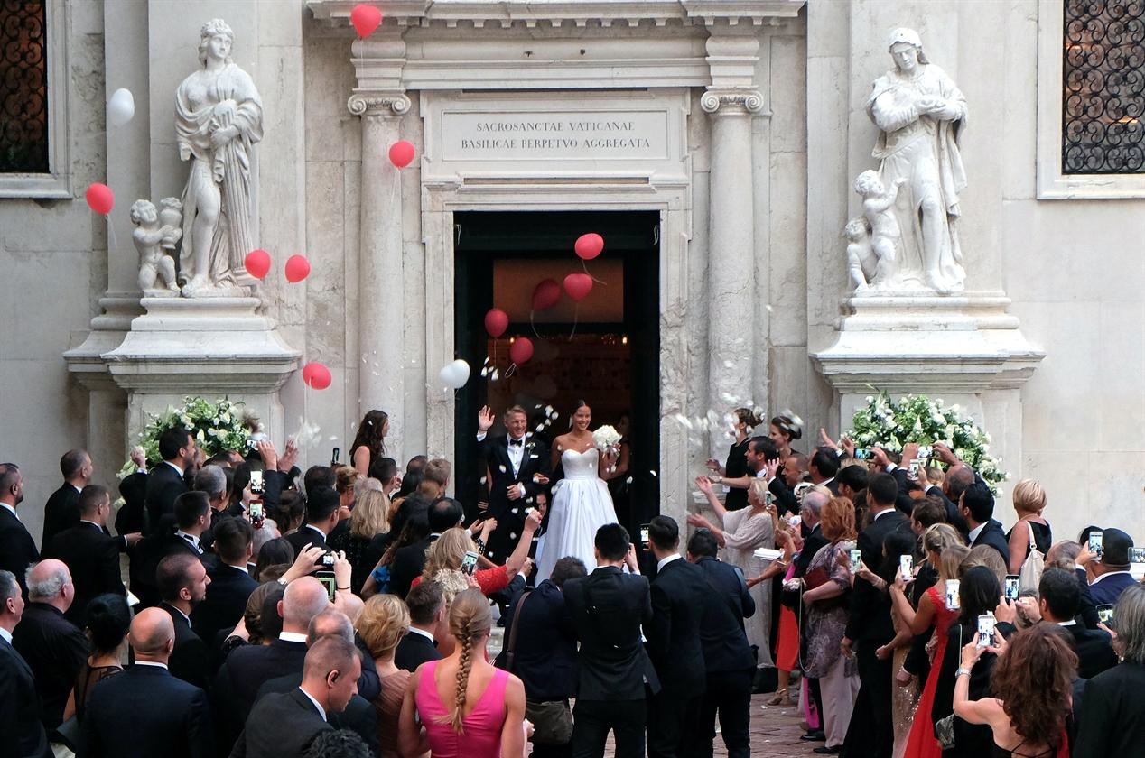 2016-07-13T215758Z_1215623670_S1AETPKKZUAA_RTRMADP_3_ITALY-WEDDING