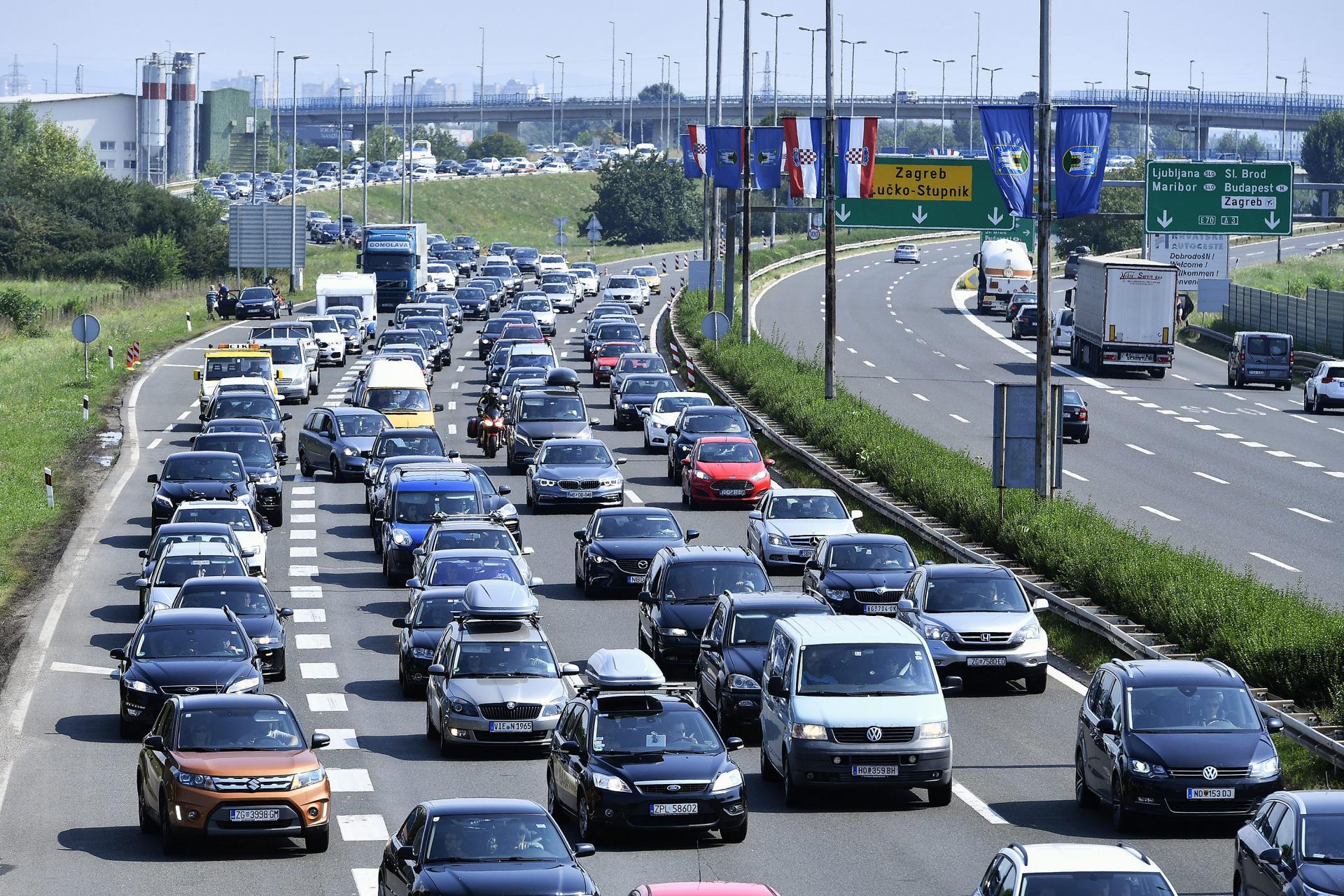 Slobodna Dalmacija Svi Automobili Na Europskim Cestama Uskoro Ce Se Morati Opremiti Dodatnom Sigurnosnom Opremom Evo I Kojom