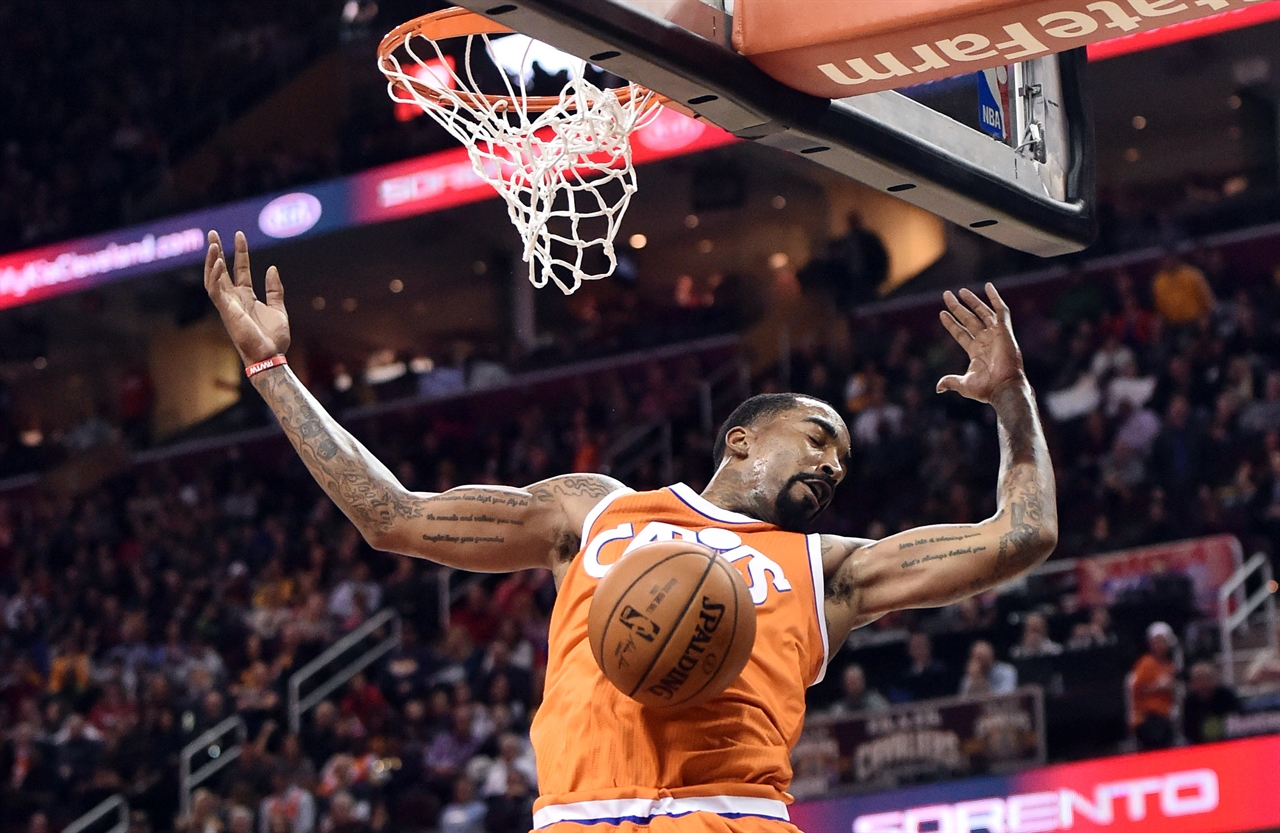 2017-04-01T021527Z_1921903932_NOCID_RTRMADP_3_NBA-PHILADELPHIA-76ERS-AT-CLEVELAND-CAVALIERS