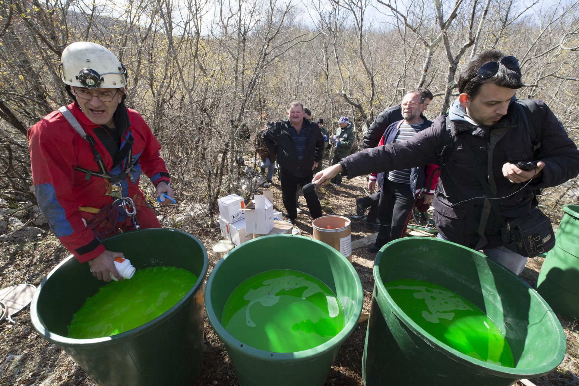 Trasiranje podzemnih voda na terenu budućeg odlagališta otpada Lećevica