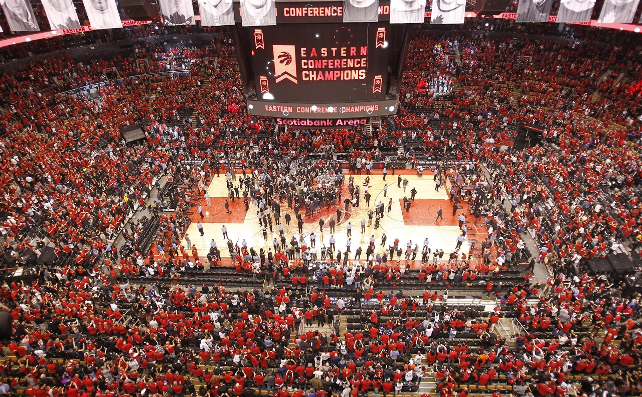 2019-05-26T050123Z_1192736609_NOCID_RTRMADP_3_NBA-PLAYOFFS-MILWAUKEE-BUCKS-AT-TORONTO-RAPTORS