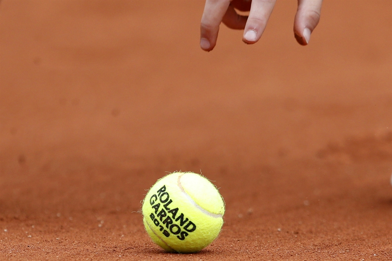 2019-05-30T131528Z_299579160_UP1EF5U10TS7A_RTRMADP_3_TENNIS-FRENCHOPEN