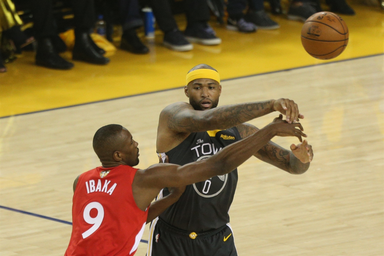 2019-06-14T020140Z_552445892_NOCID_RTRMADP_3_NBA-FINALS-TORONTO-RAPTORS-AT-GOLDEN-STATE-WARRIORS