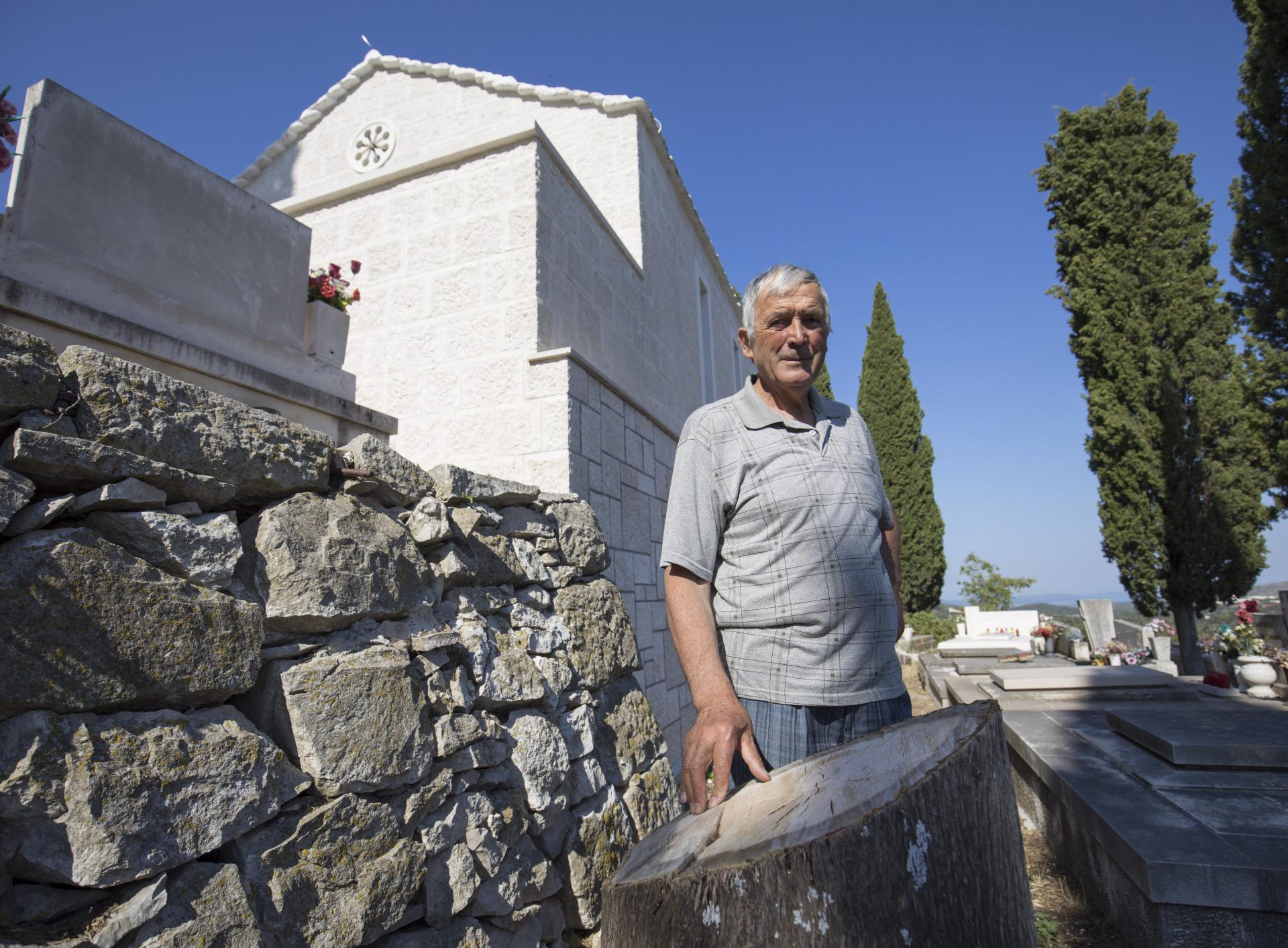 Frane Beroš: Nova mrtvačnica je sramota za Nerežišća