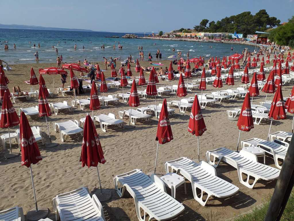 Ovako svaki dan izgleda teror ležaljkama na glavnoj splitskoj plaži