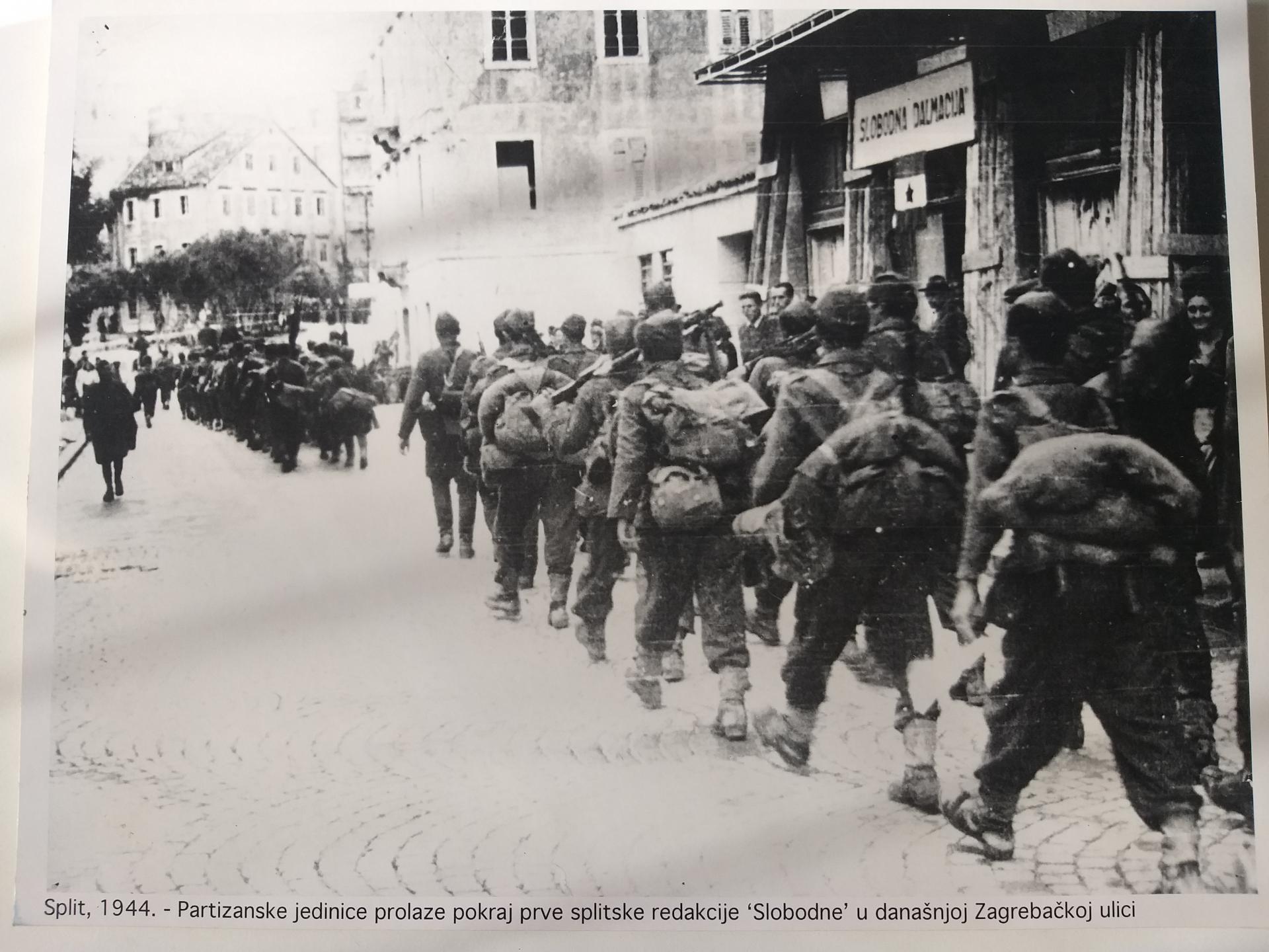 'Slobodna Dalmacija' istog je jutra objavila vijest o oslobođenju 'ponosa hrvatske Dalmacije'