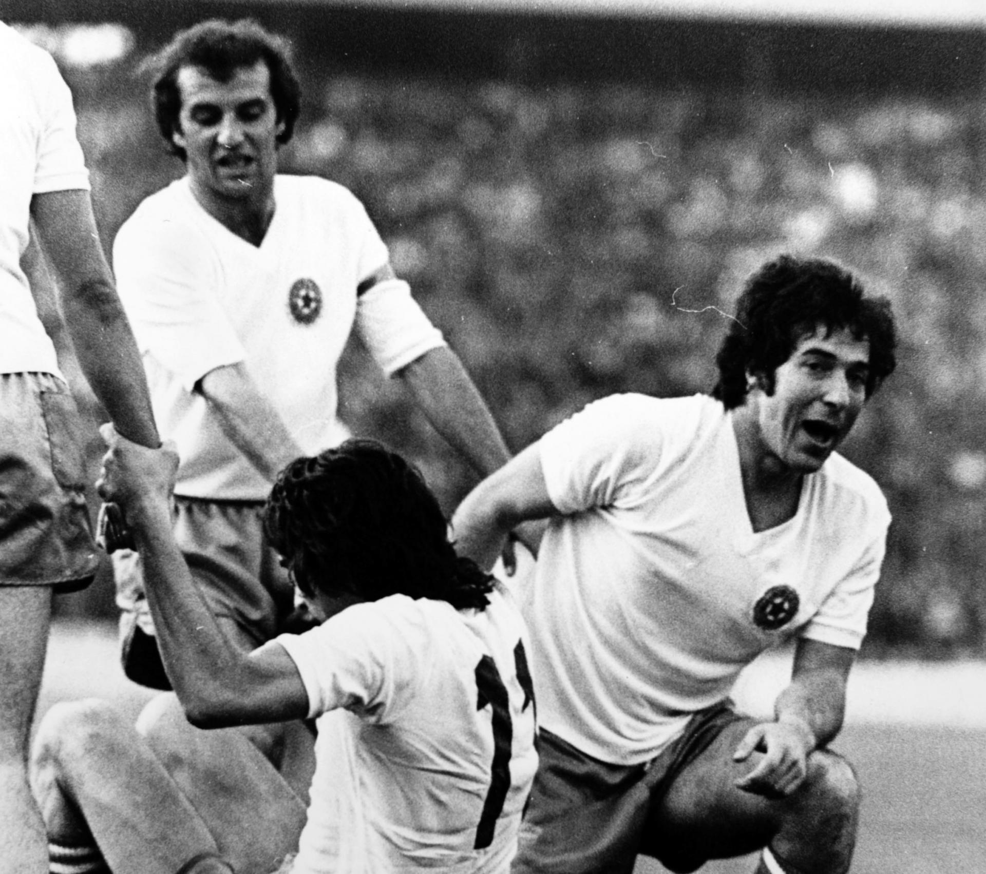 Dražen Mužinić Frfa (desno) kaže da je časno nosio Hajdukov grb