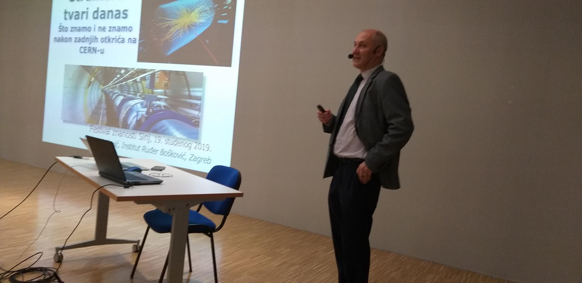 Prvi predavač na 10. Festivalu znanosti Sinj bio je dr. sc. Vuko Brigljević