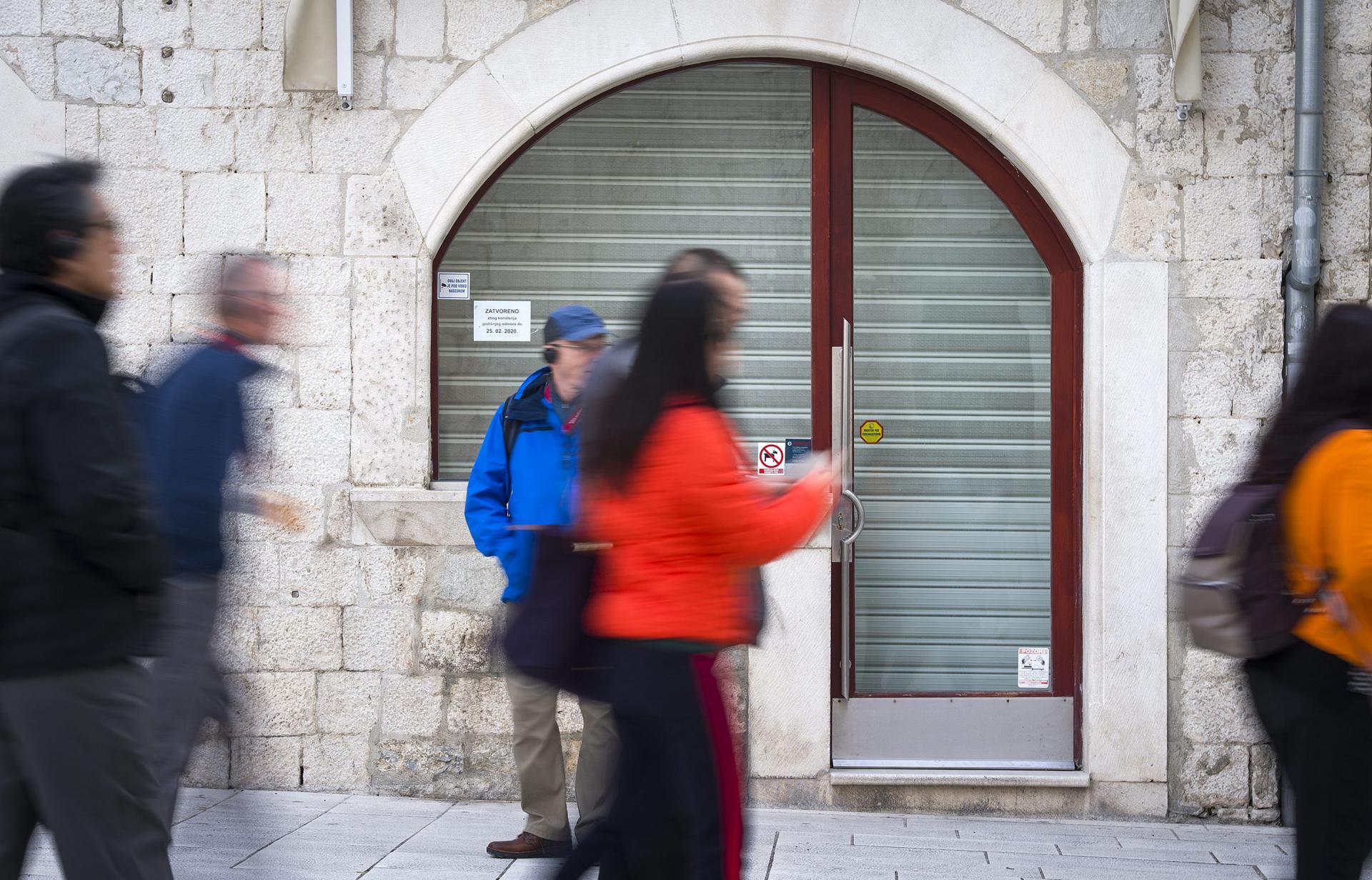 Samo turisti oživljavaju jezgru, domaći nemaju po što dolaziti u centar