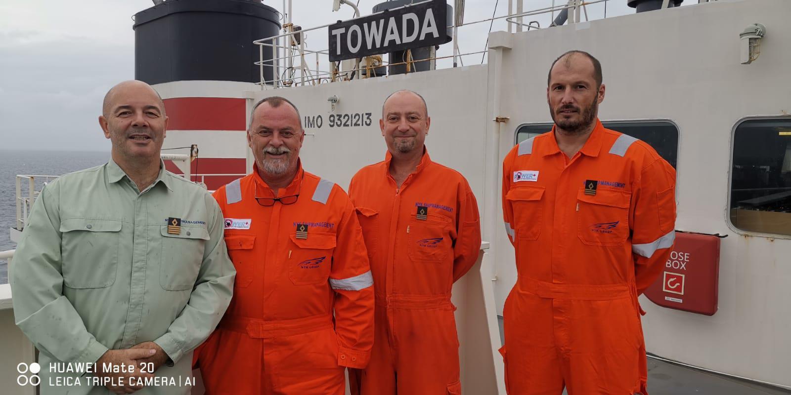 Pavo Butijer, Ivica Tomić, Dino Žampera i Ivan Vidović odveli su spašene ribare tankerom u luku Mormugao