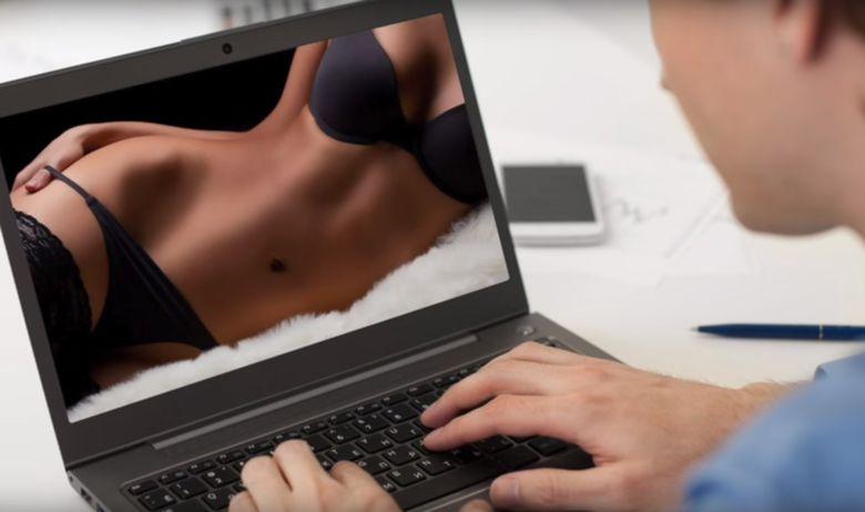 online pornografija laptop