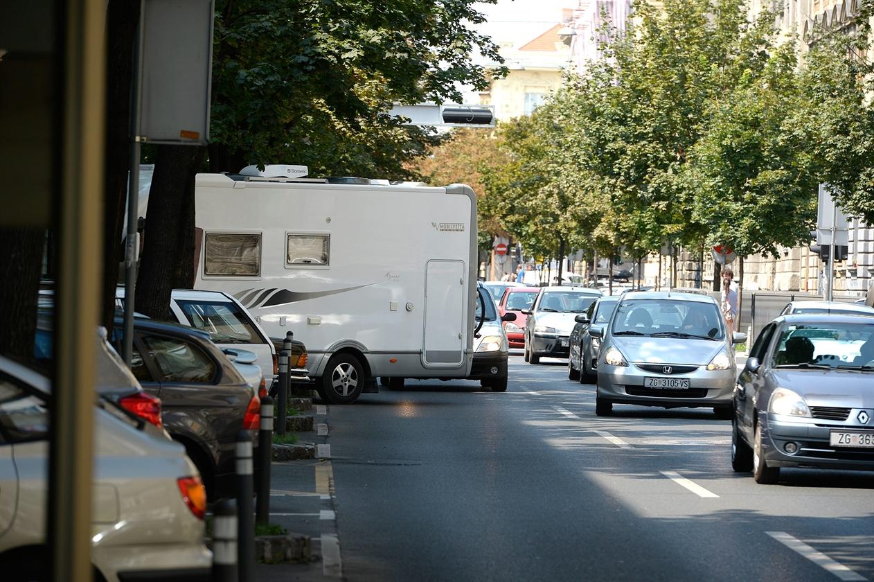 kamper_parking1-160816