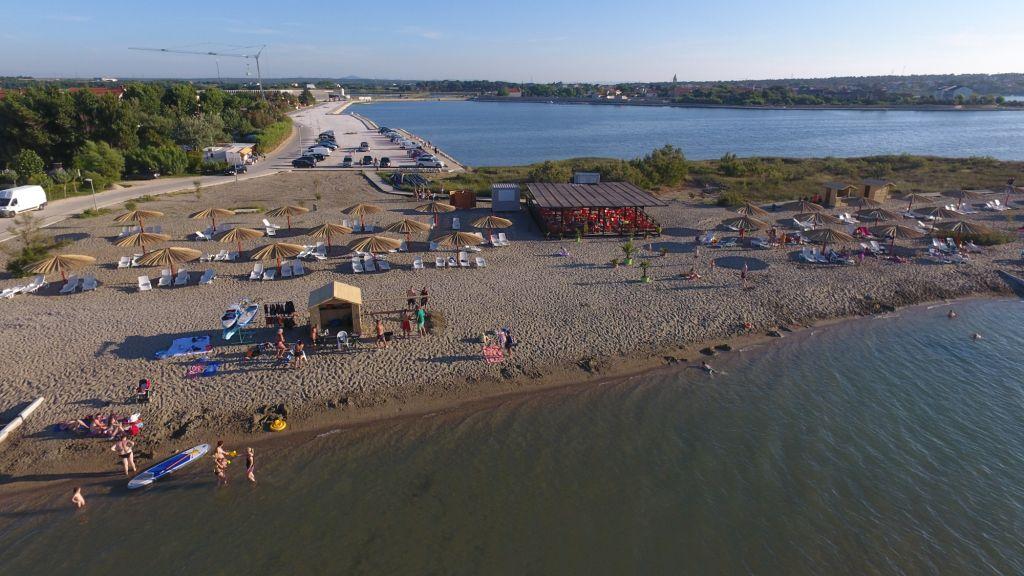 Ždrijac beach, Nin beach, sandy beach, ideal for children, kitesurfing, kites, www.zadarvillas.com