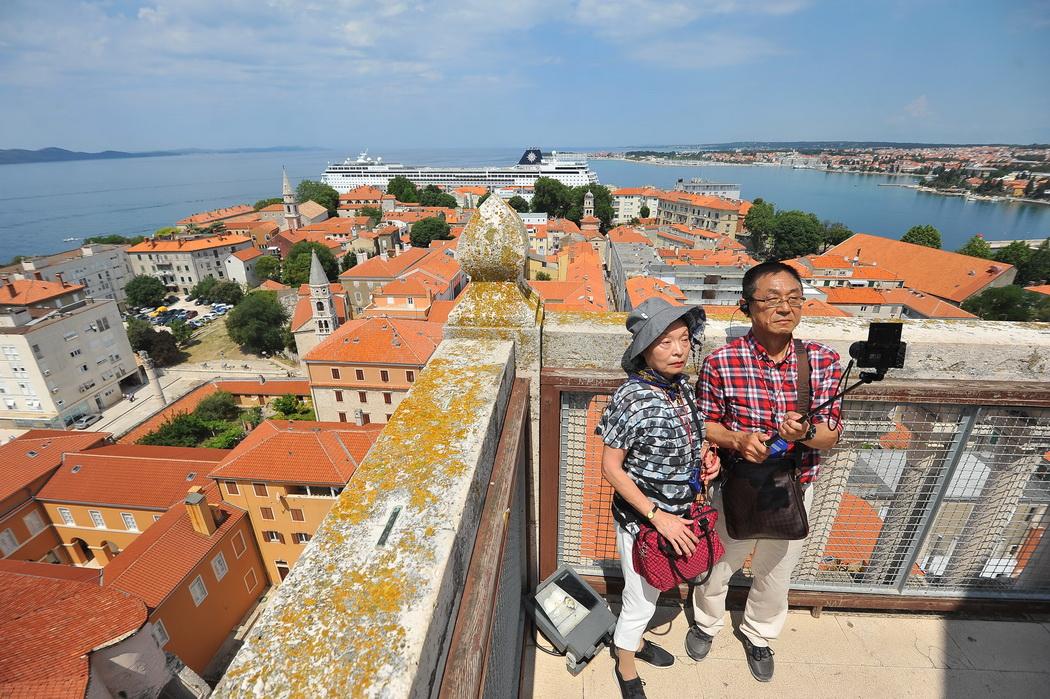 turisti_zvonik1-020617_resize