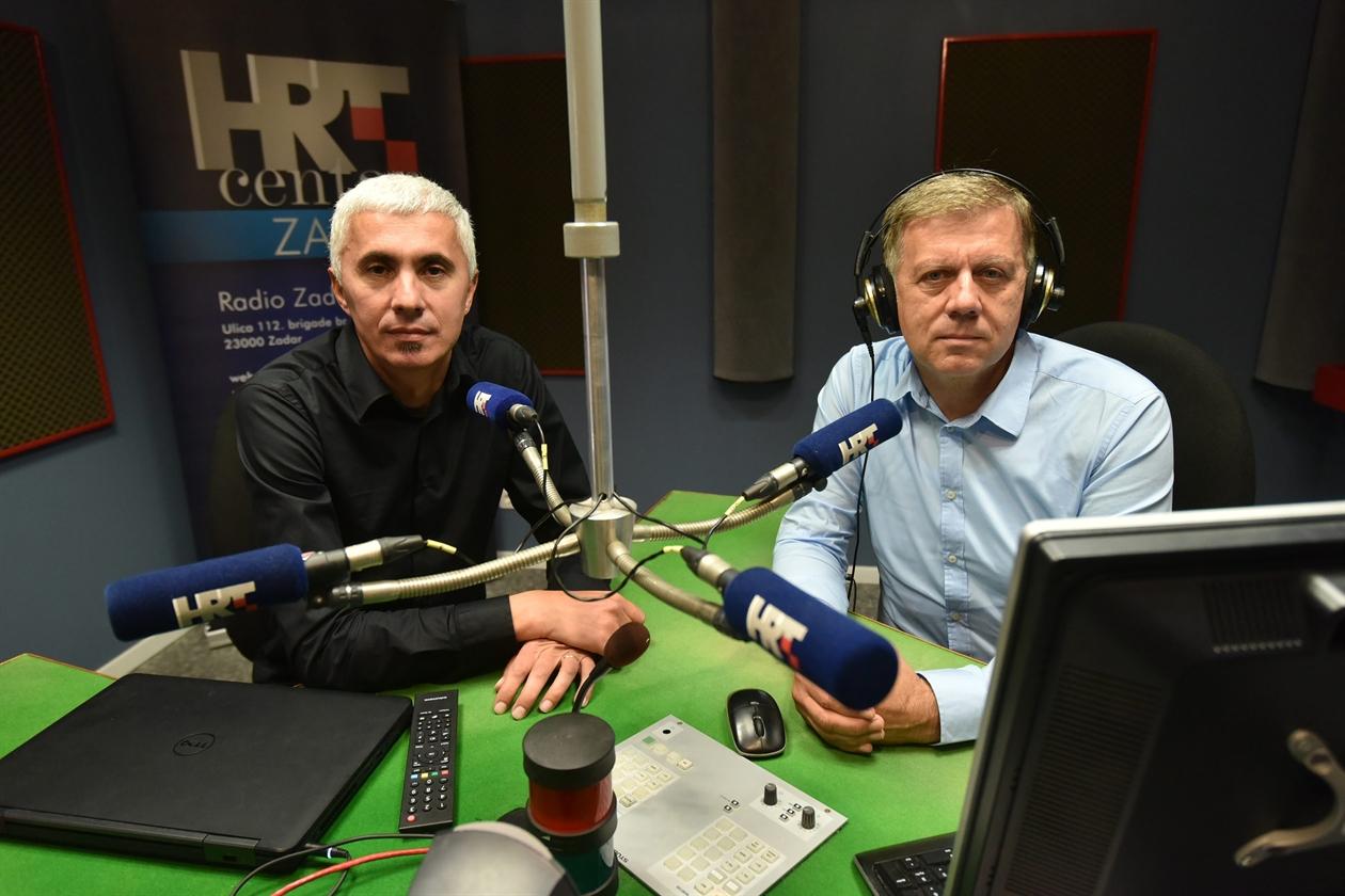 hr_radio1-051118