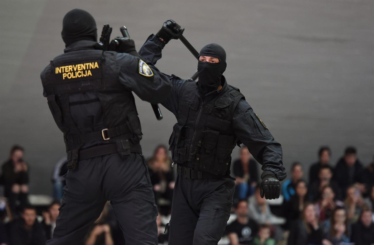 policija2-200319