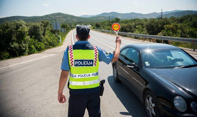 prometna policija policajci