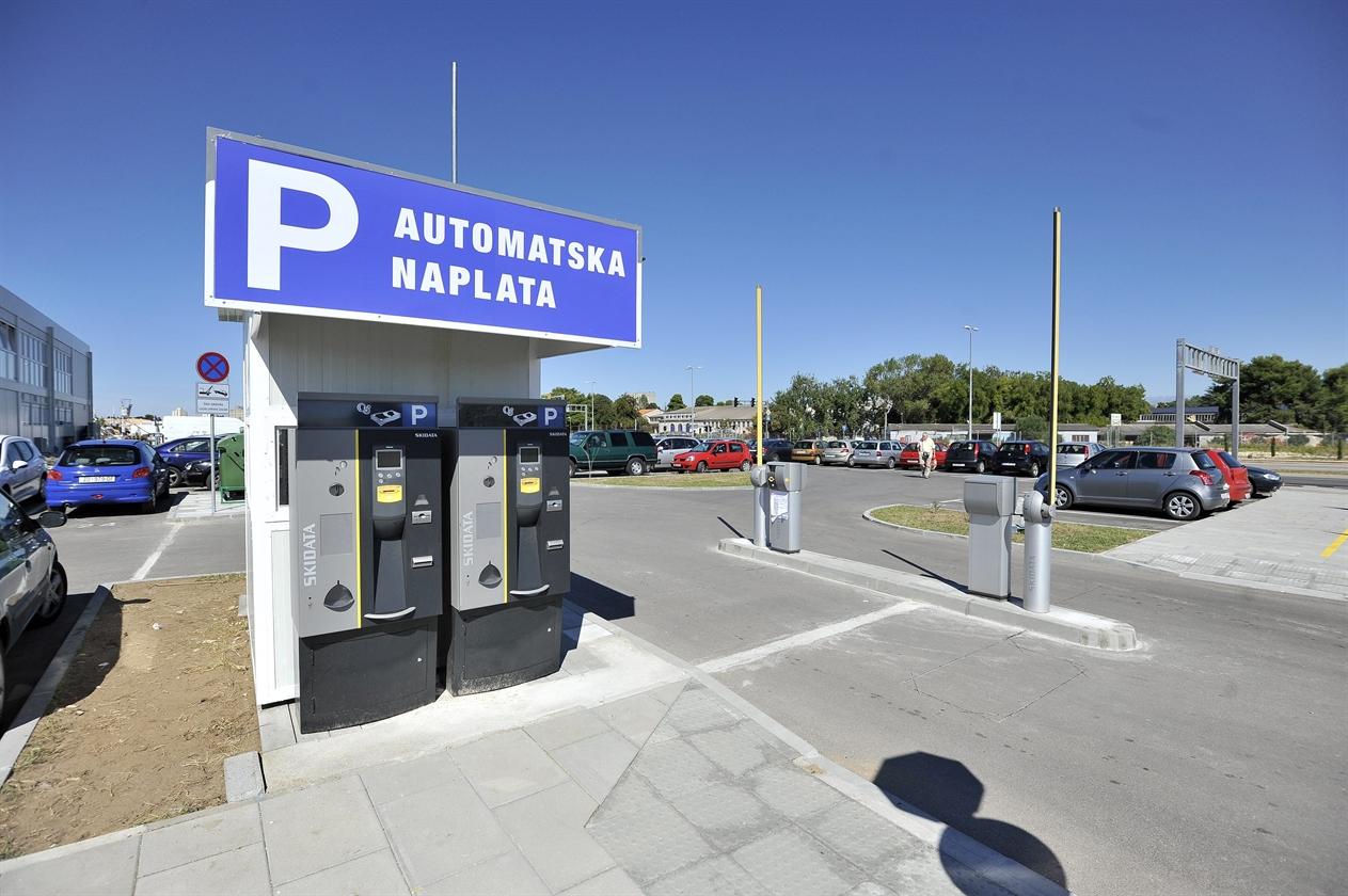gazenica_parking2-220915