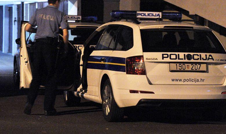 policija policajac noć