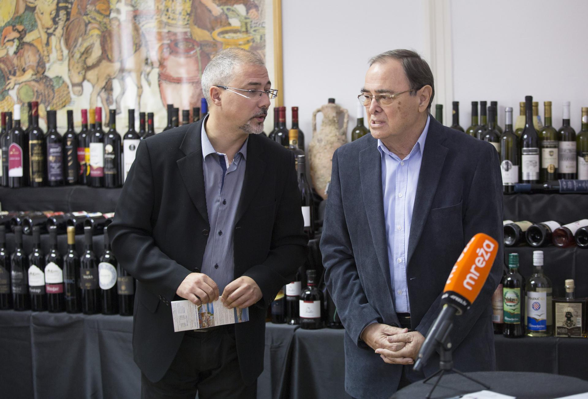 Lordan Ljubenkov i Želimir Bašić na press konferenciji