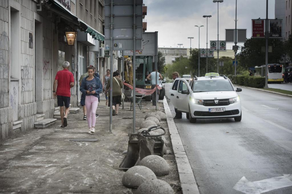 Gradski nogostupi neće se zapustiti zbog pravne bitke Grada i 'Pointa' Paun Paunović/HANZA MEDIA