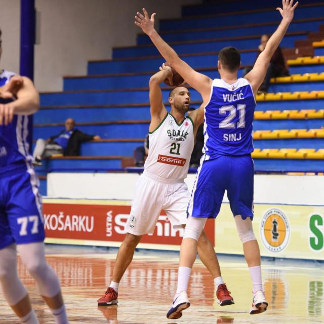 Zadar, 141219.<br /> Dvorana Jazine. HT Premijer liga - 12. kolo. Kosarkaska utakmica KK Sonik Puntamika - KK Alkar.<br /> Na fotografiji: Sime Spralja.<br />