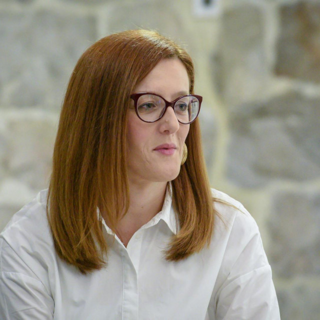Dubrovnik, 29.04.2019.<br /> Martina Mlinarevic u Lazaretima predstavila svoju knjigu Huzur<br /> Na fotografiji: Martina Mlinarevic Sopta<br />