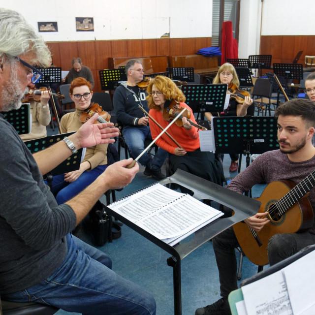 Hariju Zlodri i njegovom sinu Natanu ovo će biti njihov prvi zajednički koncert u HNK Split<br /> Jakov Prkić/HANZA MEDIA
