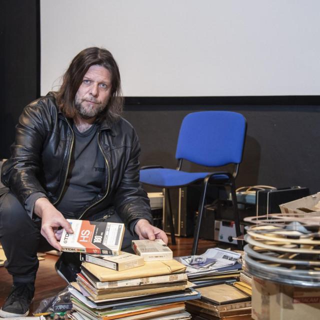 Darko Duilo:<strong> </strong>Nova generacija trash-art redatelja uspjela se snaći u organiziranoj produkcijskoj proizvodnji subžanrovski neraspravivog filmskog koncepta<br />