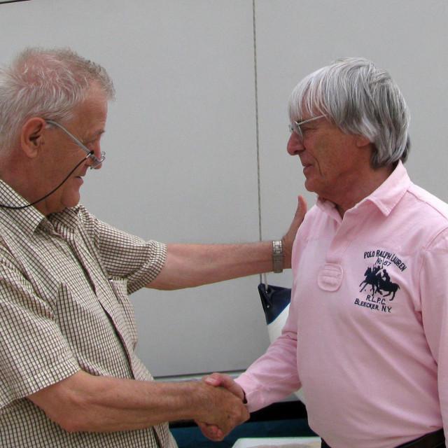 Joško Brešan 2009. godine u ugodnom razgovoru s Berniem Ecclestonom na trogirskoj rivi Duje Klarić/Hanza Media