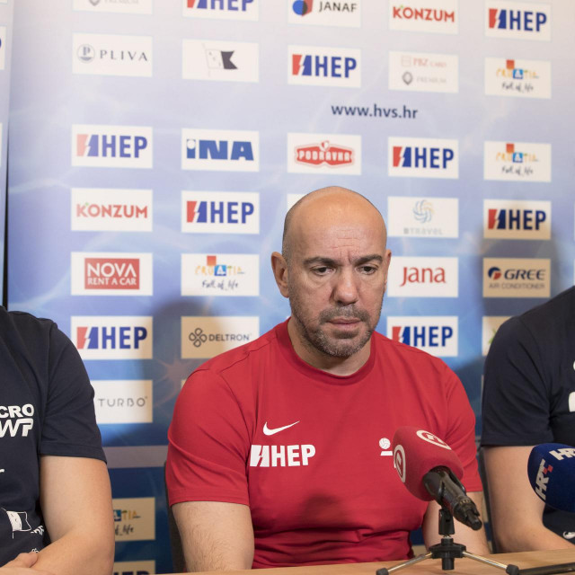 Budimpesta, 250120.<br /> Press konferencija hrvatske vaterpolo reprezentacije na Europskom prvenstvu.<br /> Na fotografiji: Luka Loncar, Ivica Tucak i Maro Jokovic.<br />