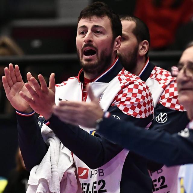 Bec,200120.<br /> Eurosko rukometno prvenstvo.<br /> Utakmica Hrvatska- Ceska.<br /> Na fotografiji: Domagoj Duvnjak, Lino Cervar.<br />