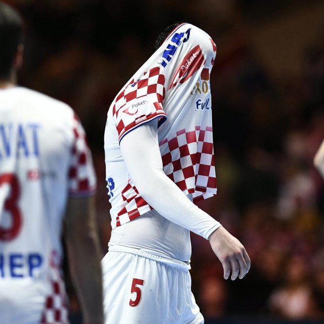 Stockholm, 260120.<br /> Tele2 Arena.<br /> Finalna utakmica Europskog rukometnog prvenstva izmedju Hrvatske i Spanjolske.<br /> Na fotografiji: tuga zbog gubitka 1. mjesta.<br />